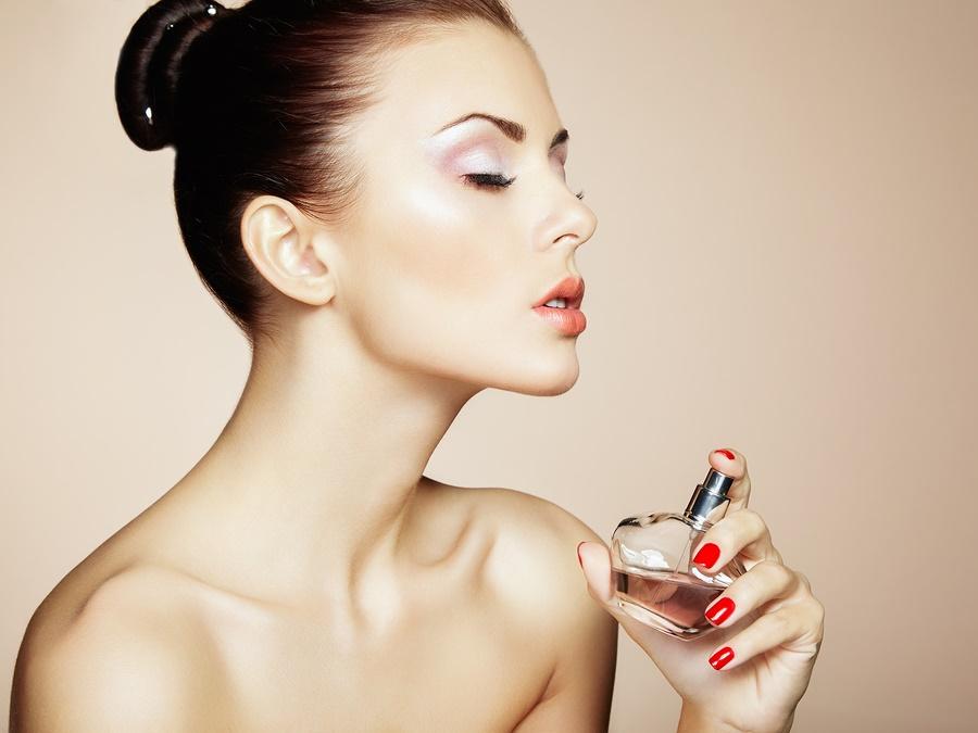 Jak prawidłowo aplikować perfumy?