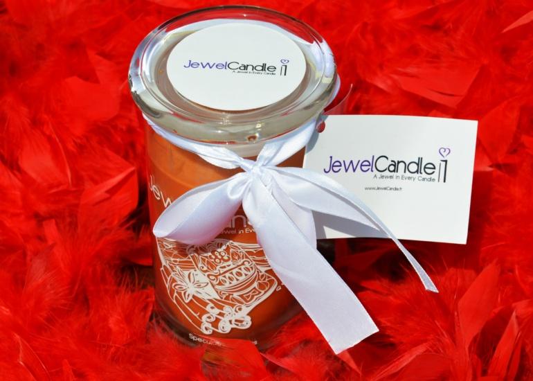 Jewel Candle – pachnąca świeca z biżuterią