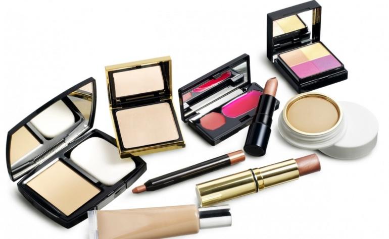 Czy można używać przeterminowanych kosmetyków?
