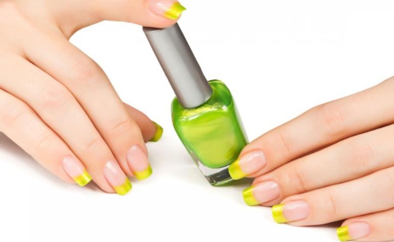 Jak naprawić suchy lakier do paznokci?