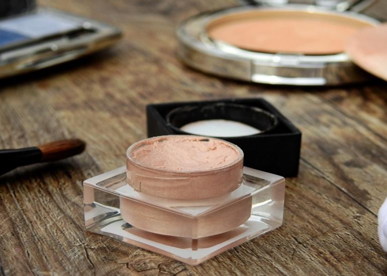kosmetyki-tradycyjne-konwencjonalne.jpg