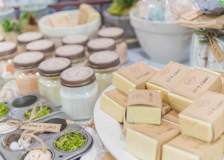 Naturalna pielęgnacja – od czego zacząć przygodę z kosmetykami naturalnymi?
