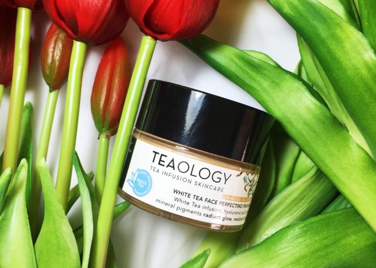 Teaology, Udoskonalający krem do twarzy i szyi na bazie esencji z białej herbaty i kwasu hialuronowego